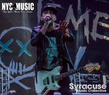 chris-besaw-riot-fest-day-1- All Time Low 1