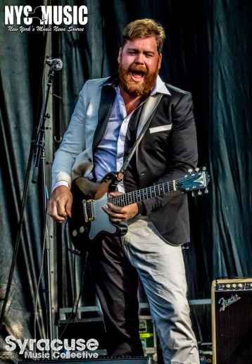 chris-besaw-riot-fest-day-2-hives-9