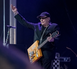 Chris Besaw Cheap Trick 2018-13